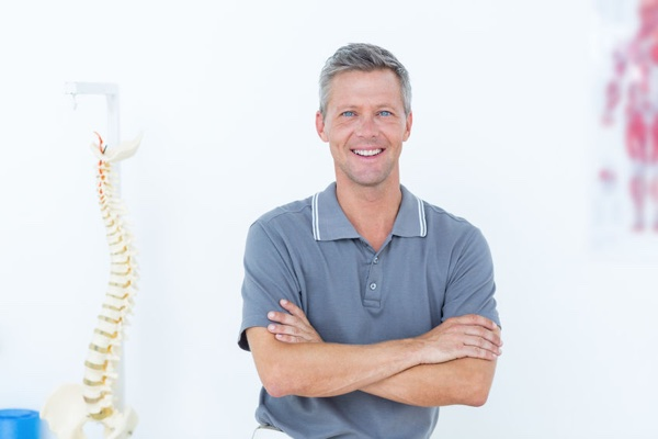 Receptionist waiting to help you at Ontario Chiropractic in Ontario, OR